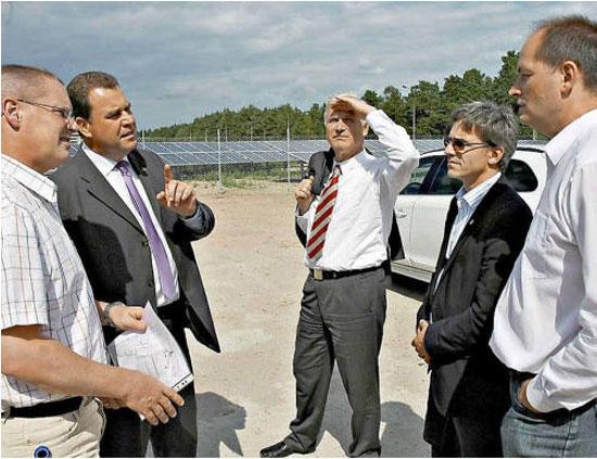 Firma Renoc aus Crinitz führt Regie bei der Entstehung des Solarpark Stadtwerke Finsterwalde