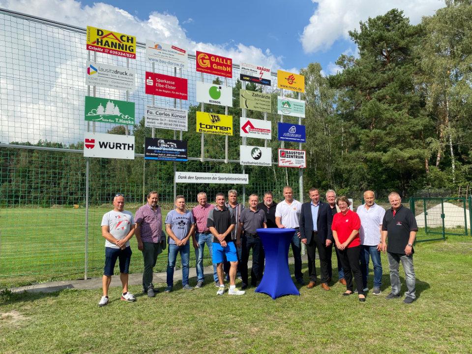 Unternehmer helfen Sportverein